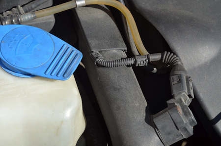 benzin: Close-up detail of diesel engine cooler of modern car
