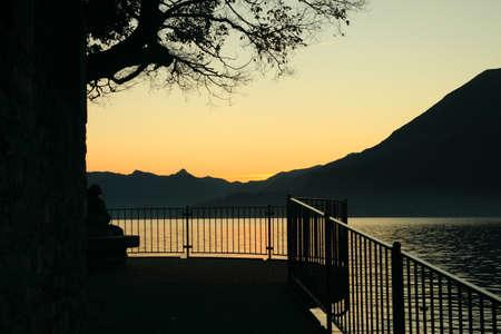 Como Lake (Varenna), walking at sunset Standard-Bild