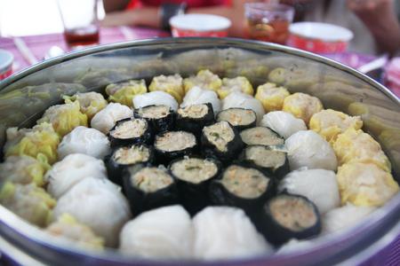 chums: Shumai food in hot pot