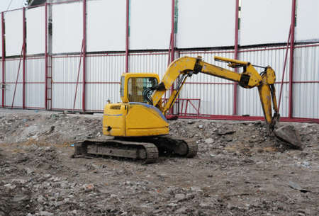 grading: Dredge on a building site