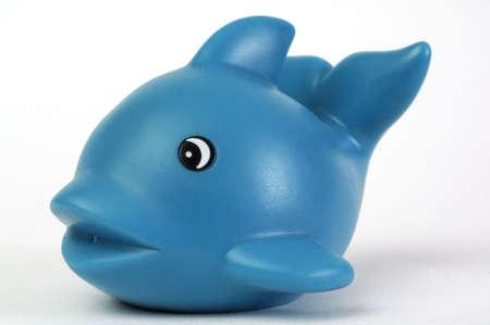 juguete de pl�stico azul ballena en fondo blanco  Foto de archivo - 762085