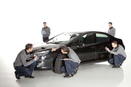 seguros: Agente de seguros Hombre que toma el cuadro
