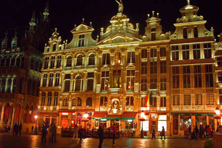 The grand palace in Brussels by night