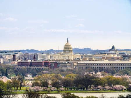 ワシントンDCのスカイライン。米国議会議事堂と