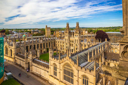 High angle view of Kings College Chapel, UK 版權商用圖片 - 129325990