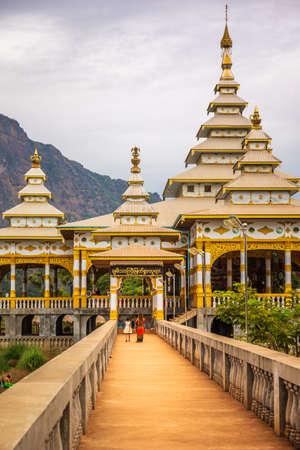 Kyaut Ka Lat Buddhist Temple in Hpa-An, Myanmar. 写真素材