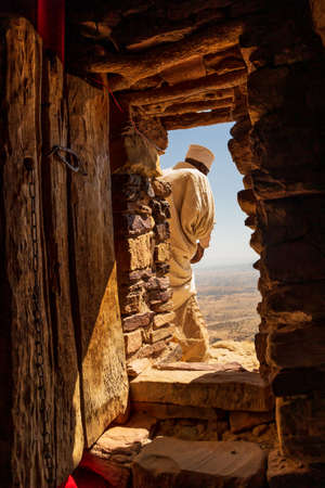 Looking out of the famous Daniel Korkor church in the Tigray region Stockfoto