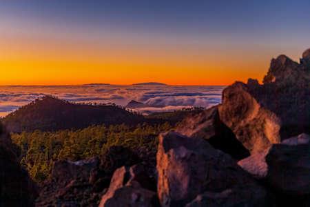 Amazing Tenerife sunset overlooking La Gomera and La Palma islands Archivio Fotografico
