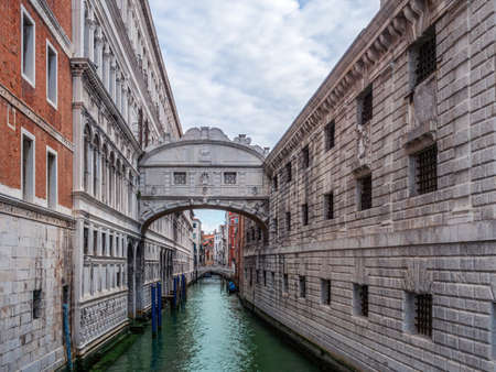 Canal with the Bridge of Sighs - Venice, Italy Archivio Fotografico