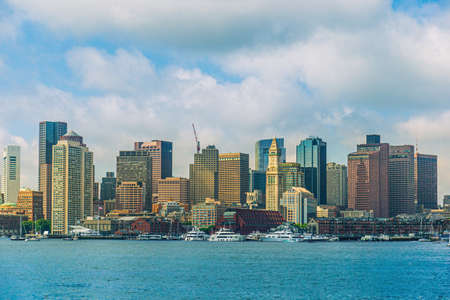 Boston skyline seen from Piers Park, Massachusetts, USA Imagens
