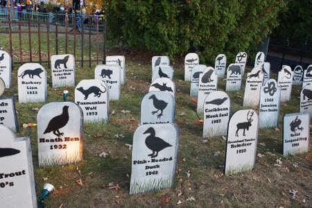 Animal Extinction grave site Cemetery silhouettes  Imagens