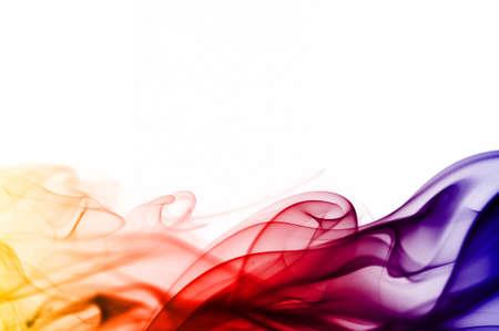 barevné kouře izolovaných na bílém pozadí
