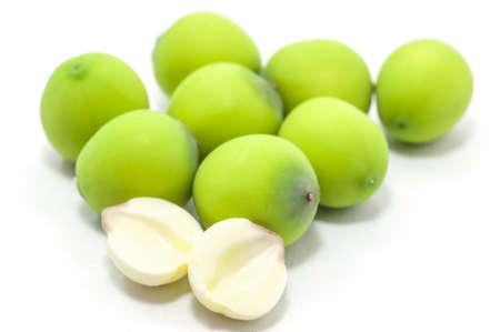 traditional chinese medicine: zi lian - Las semillas de loto se utilizan ampliamente en la medicina tradicional china y postres.