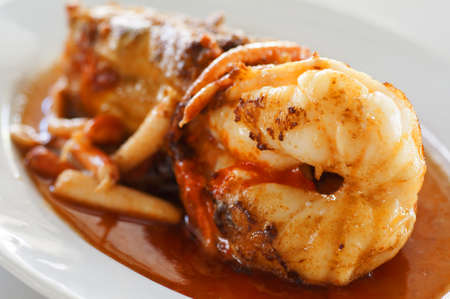 food and drink industry: Fry taglio d'acqua dolce gigante gambero e servito