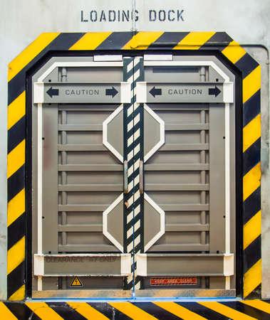 Futuristisch metalen deur of poort Stockfoto