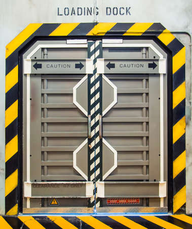 sci: Puerta met�lica futurista o la puerta Foto de archivo