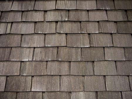 shingles: Vieja ama techo de tejas de madera. Foto de archivo
