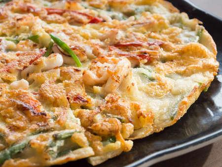 Koreaanse zeevruchten pannenkoek, Haemul pajeon Stockfoto