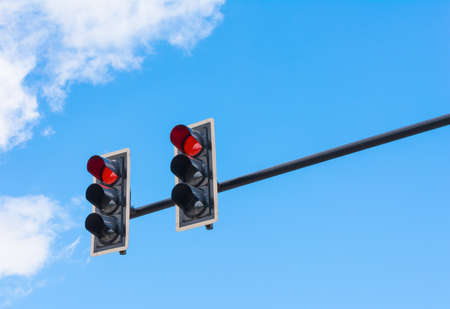 failure sign: image of traffic light, the red light is lit. symbolic  for holding.