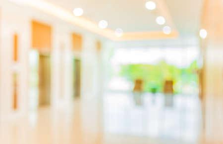 Blur beeld van het ziekenhuis kantoor ruimte met tafel en stoelen voor achtergrond gebruik. Stockfoto