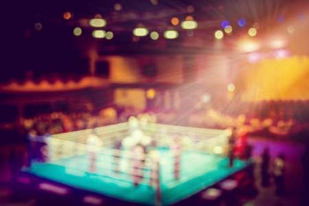 ヴィンテージは、ボクシングのリング スポット ライトとぼかし。 写真素材