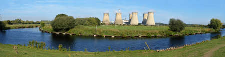 meanders: Panoramic view of the River Soar as it meanders past the Ratcliffe-on-Soar power station towards its mouth at the River Trent, Nottinghamshire