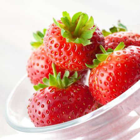 verse aardbeien in kom close-up Stockfoto