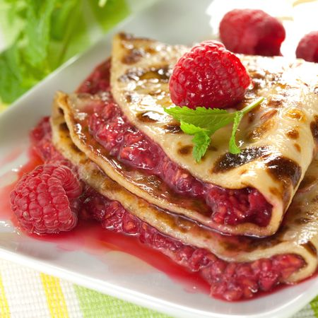 pancake with raspberries and mint