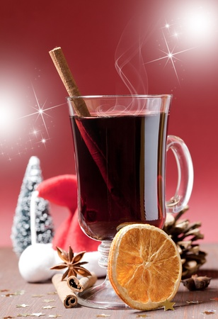 mulled: hot mulled wine with cinnamon