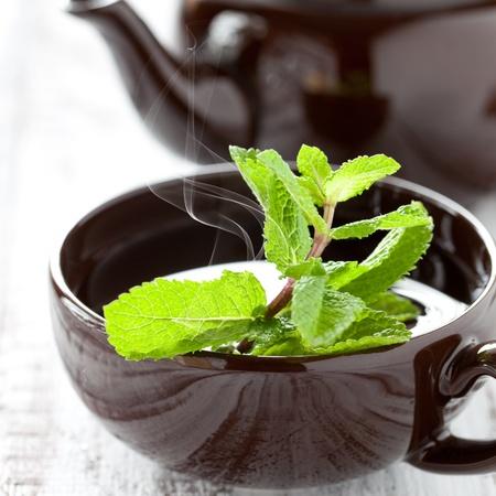 verse pepermunt thee in een kopje Stockfoto