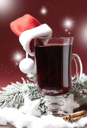 grog: fresh mulled wine with christmas hat