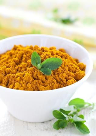 curcuma: fresh curcuma in a bowl