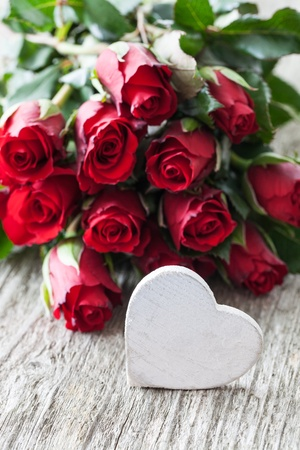 valentines day with roses and heart