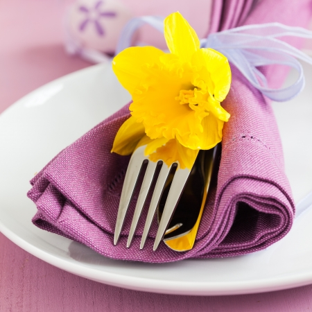 place setting for easter with daffodil