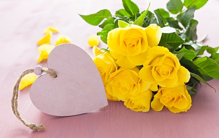 yellow roses: heart shape with roses and copyspace