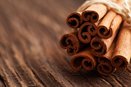 cinnamon stick: cinnamon on wood with copy space Stock Photo