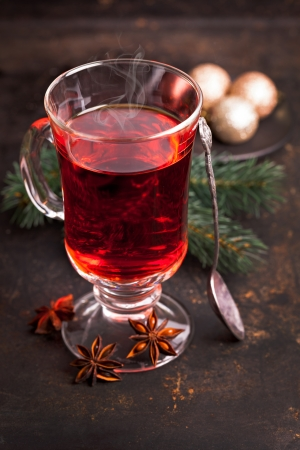 mulled: mulled wine with spoon and anise