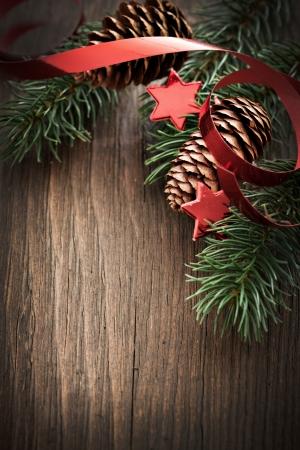 adviento: tarjeta de Navidad con el abeto y espacio de la copia