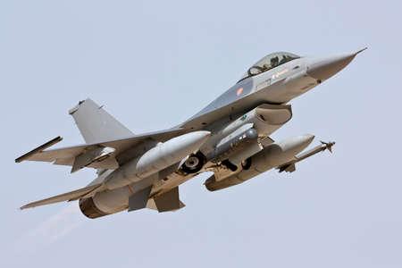Lockheed Martin F-16 despegue en Monte Real - Portugal