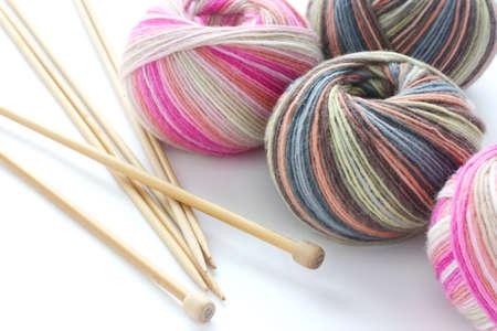 gomitoli di lana: filati per maglieria palle calzino con tagliatelle Archivio Fotografico