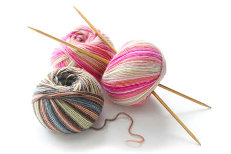 knitting needles: knitting sock yarn balls with noodles