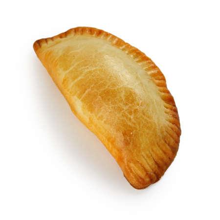 empanada, pastel de carne sobre fondo blanco