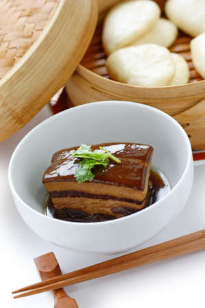 dongpo: chinese braised pork belly, dongpo pork, with buns