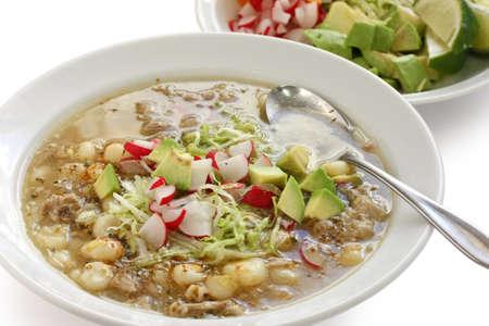 白い pozole、メキシコのスープ料理