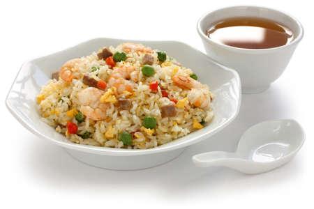 plat chinois: riz frit, cuisine chinoise, de style Yangzhou