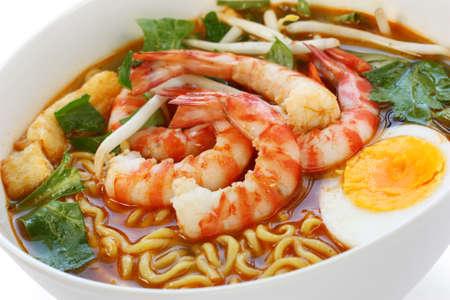malaysian people: prawn mee, prawn noodles