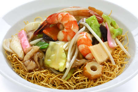 chop suey on deep-fried noodles, sara udon, japanese cuisine Stock Photo - 12882875