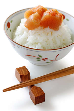 comida japonesa: seasoned cod roe on the rice, japanese food