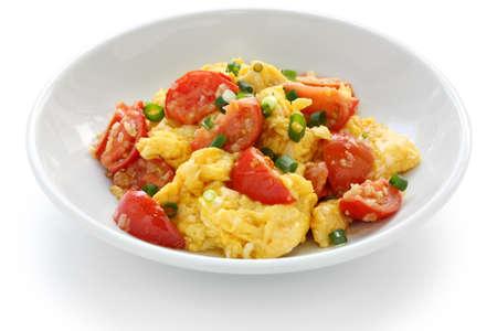scrambled eggs: huevos revueltos con tomate, comida china