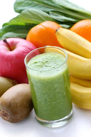 batidos de frutas: verde licuado Foto de archivo